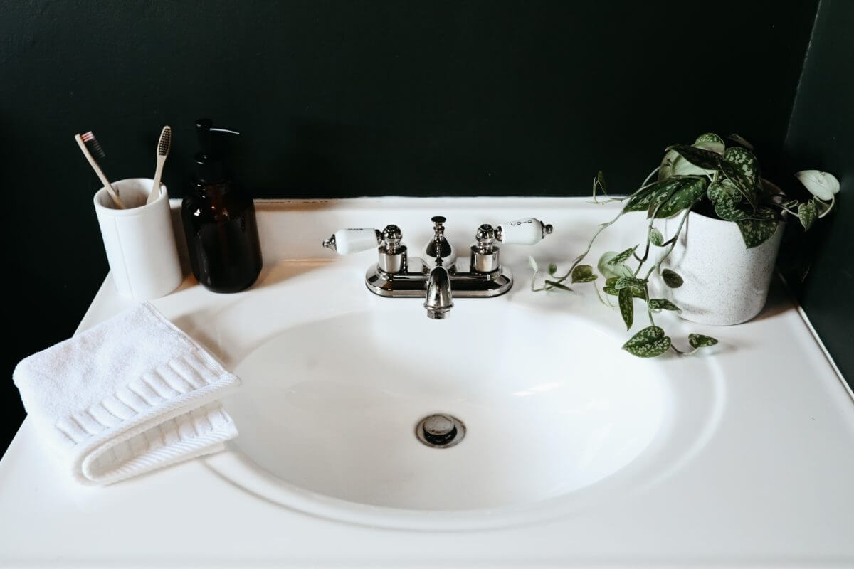 Removable Bathroom Sink Stopper 7 Great Options Whospilled